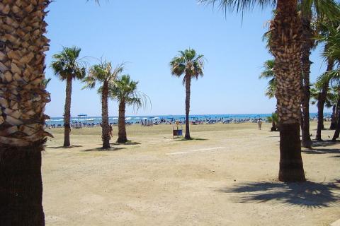 playa-larnaca.jpg